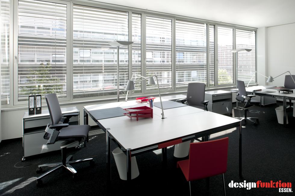 H2 office in duisburg designfunktion essen for Deckenfluter modern
