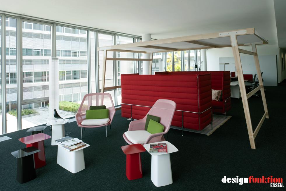 H2 office in duisburg designfunktion essen for Vitra design teppich